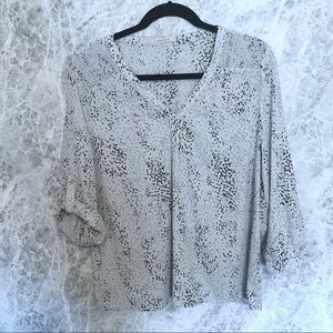 41 Hawthorn Black and Grey Pullover Blouse